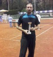 Ο Νίκος Ζάβαλης νικητής της κατηγορίας beginners του ΦΙΛΟΘΕΗ ΤENNIS OPEN 2016